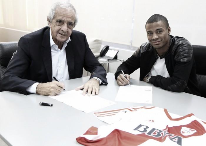Se terminó la espera: De la Cruz firmó contrato con River