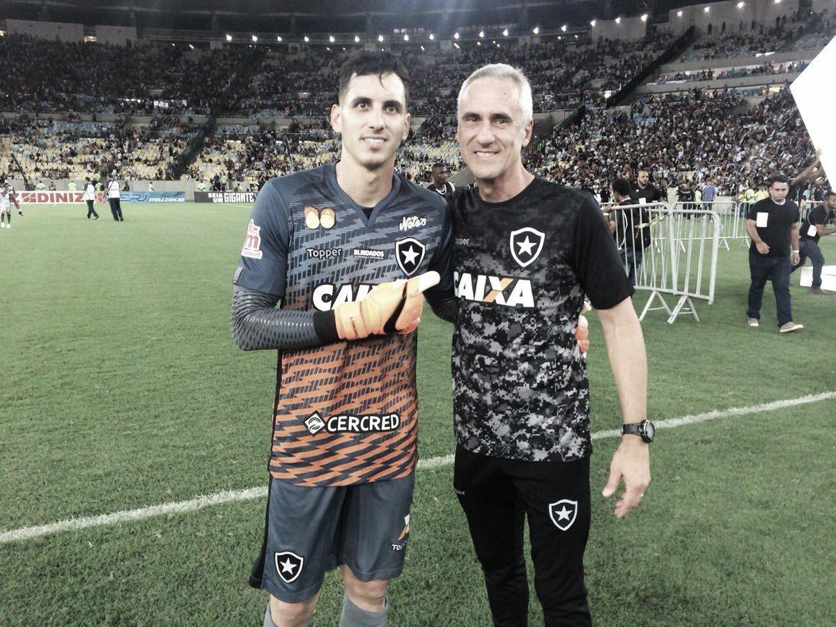 História repetida: Gatito Fernández defende dois pênaltis e é herói em título carioca