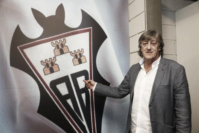 """Enrique Martín: """"Saldremos adelante"""""""