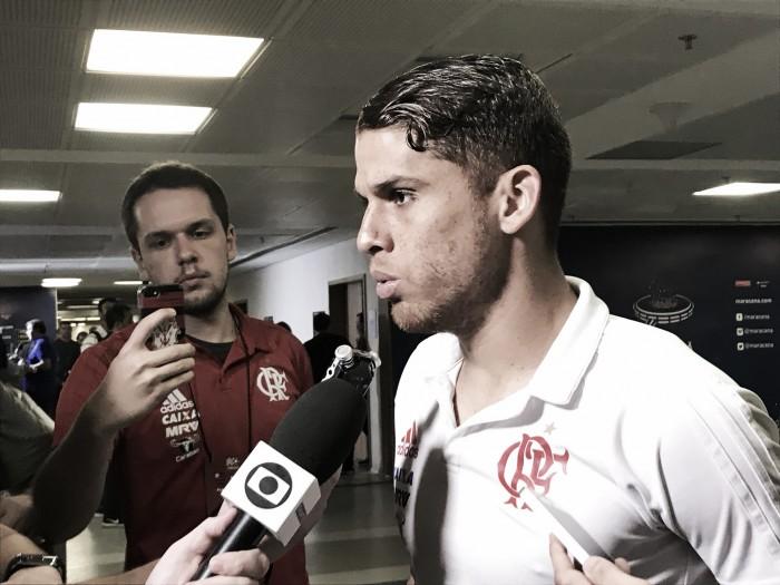 Cuéllar elogia estreia de Marlos e avalia curta pré-temporada como obstáculo para Flamengo