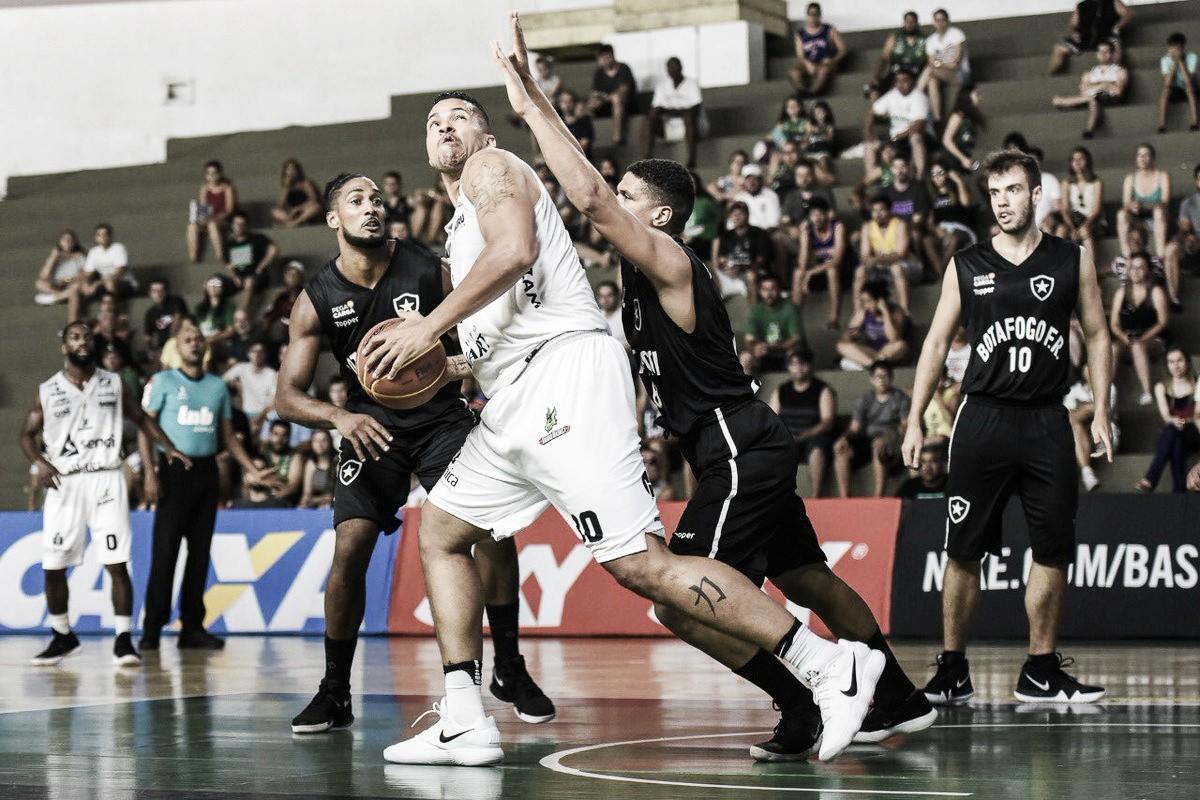 Botafogo é derrotado pelo Bauru, mas garante vaga nos playoffs do NBB