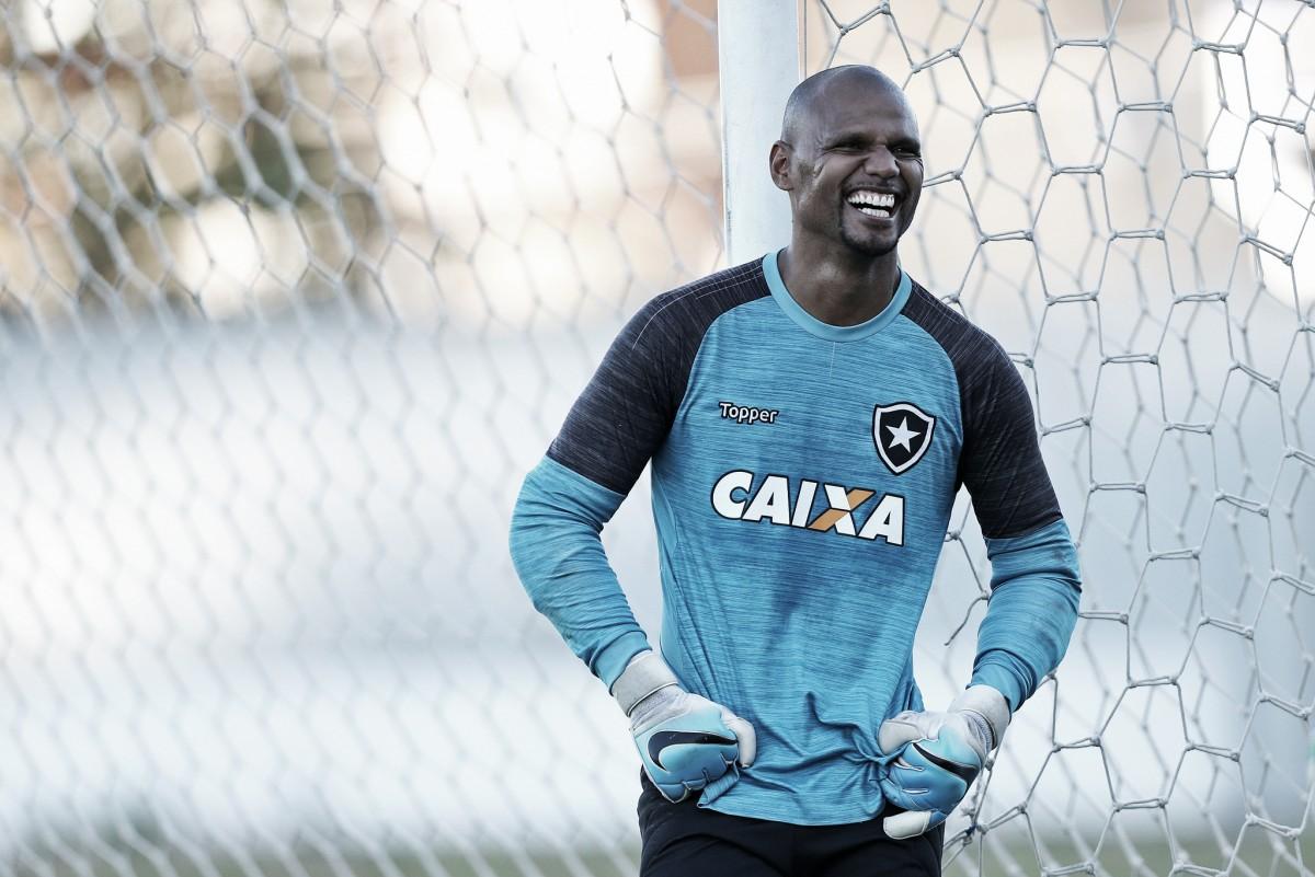Ídolo e histórico: Jefferson se torna quarto jogador com mais jogos pelo Botafogo