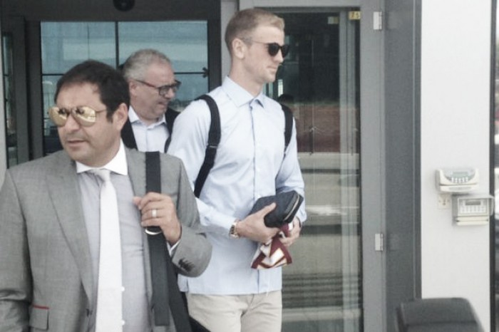 Hart arrives for Torino medical