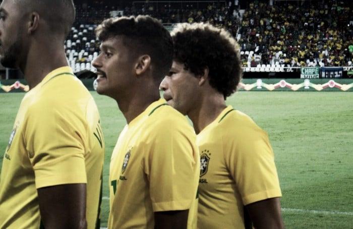 Dribles, correria e empolgação: Scarpa e Camilo estreiam com pé direito na Seleção