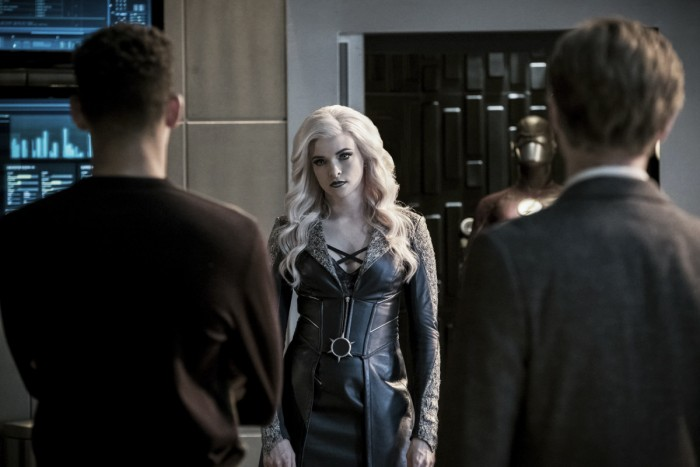 CRÍTICA: The Flash 03x21 - Cause and Effect