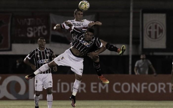 """Marquinho explica confusão com Gum no gol do São Paulo: """"Tirei o pé tarde demais"""""""