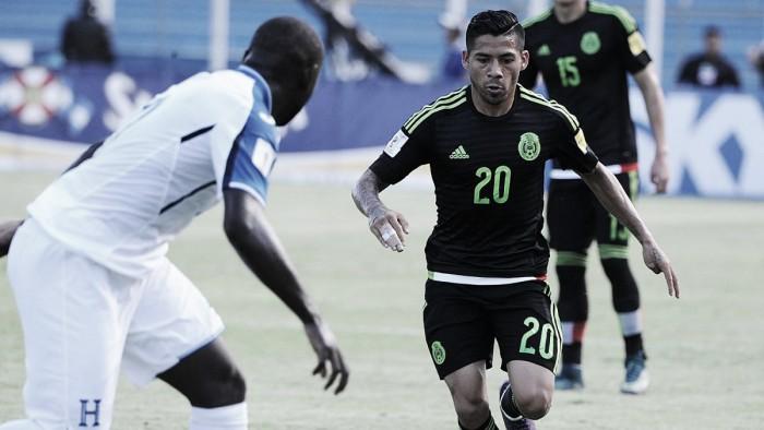 Mexican National Team: Javier Aquino out, Jurgen Damm in