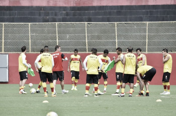 Após 3 a 1 sobre o Coritiba, Vitória já se prepara para duelo contra Palmeiras no final de semana