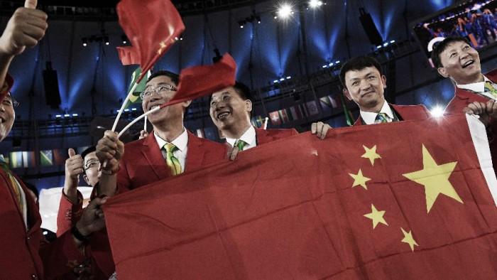 Bandeira nacional criticada por chineses foi produzida na China
