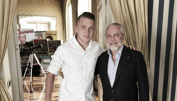 Coveted Zielinski joins Napoli