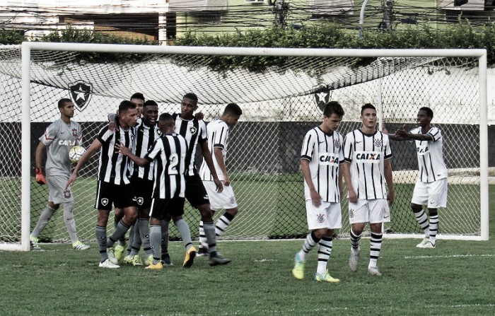 Botafogo e Corinthians iniciam disputa na final do Campeonato Brasileiro Sub-20