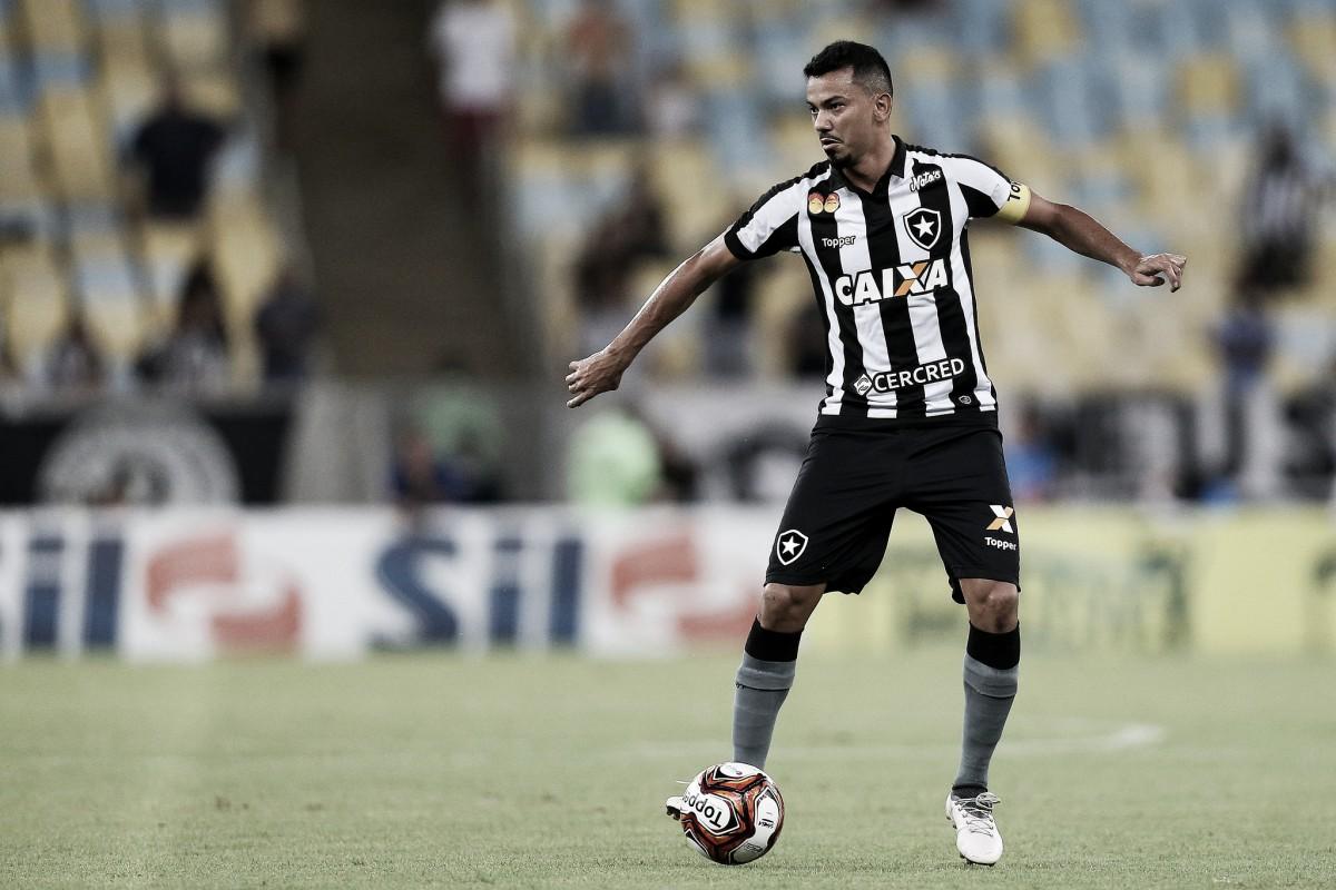 """Rodrigo Lindoso desabafa após classificação do Botafogo para final: """"Taça Rio não valia nada"""""""