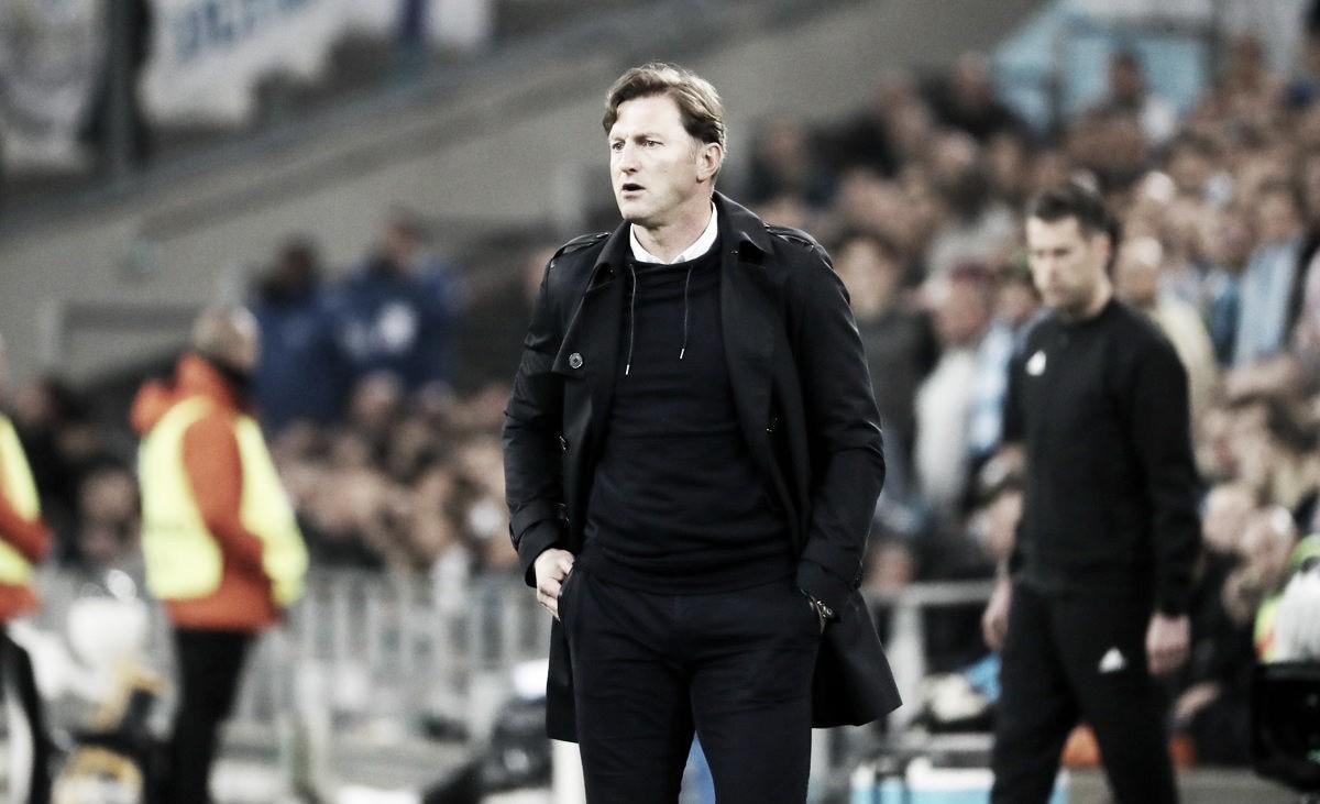 """Técnico do Leipzig lamenta desatenção após eliminação na Europa League: """"Difícil digerir"""""""