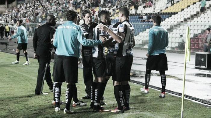 Santos goleia Fluminense e se aproxima do G-4 no Brasileirão
