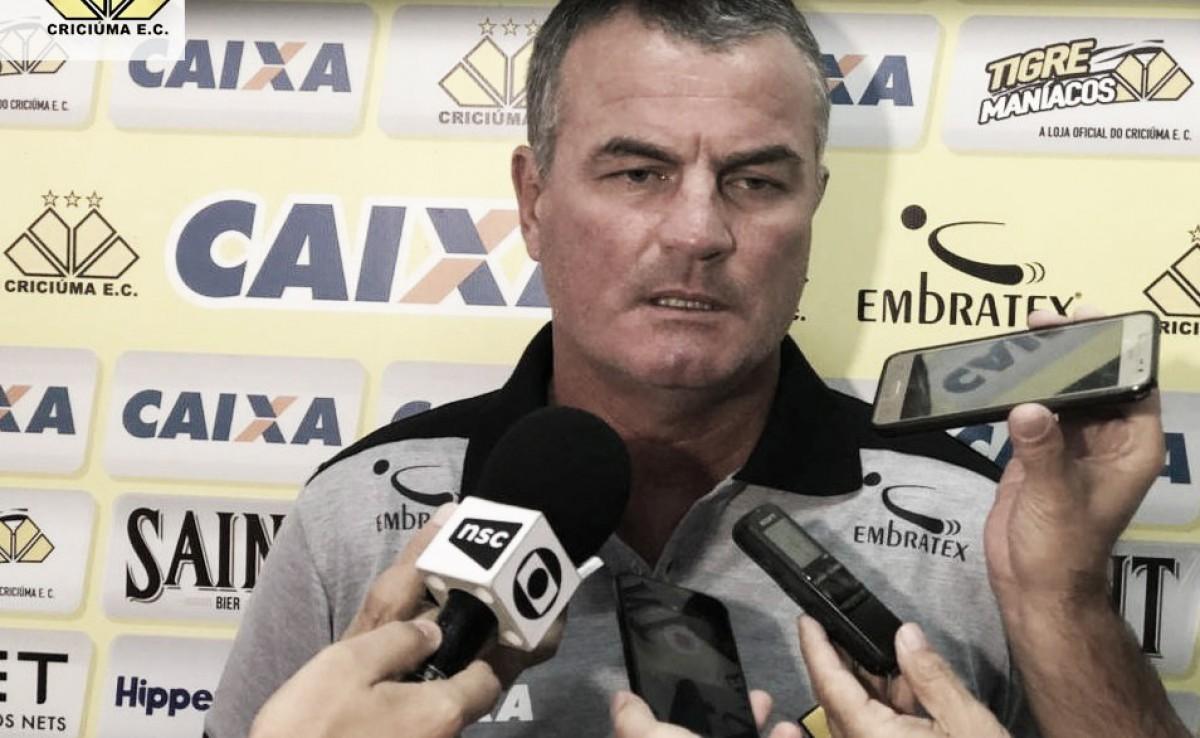 """Mazola mostra tranquilidade após empate do Criciúma: """"Não podemos fazer uma catástrofe"""""""