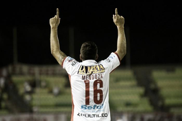 Mendoza marca nos acréscimos e Huracán se classifica para a fase de grupos da Libertadores