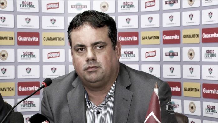 Jorge Macedo reclama de interferência externa em gol anulado do Fluminense
