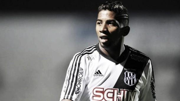 Flamengo acerta contratação do lateral-direito Rodinei, ex-Ponte Preta