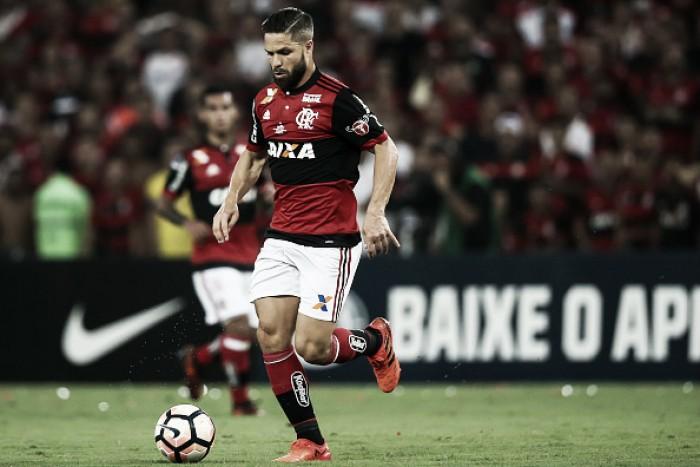 """Diego assimila críticas, mas não nega desilusão com vice do Flamengo: """"Merecíamos títulos"""""""