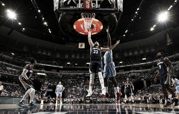 Resumen NBA: Grizzlies y Warriors siguen imparables y los Lakers vuelven a sucumbir