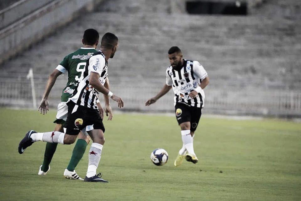 Duelo de líderes: Botafogo-PB recebe Atlético de Cajazeiras no Almeidão