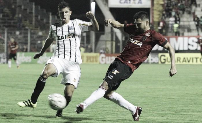 Figueirense e Brasil de Pelotas se enfrentam em briga direta contra rebaixamento