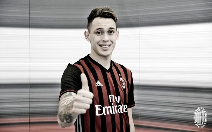 Ex-Genoa, argentino Lucas Ocampos é contratado pelo Milan para reforçar setor ofensivo