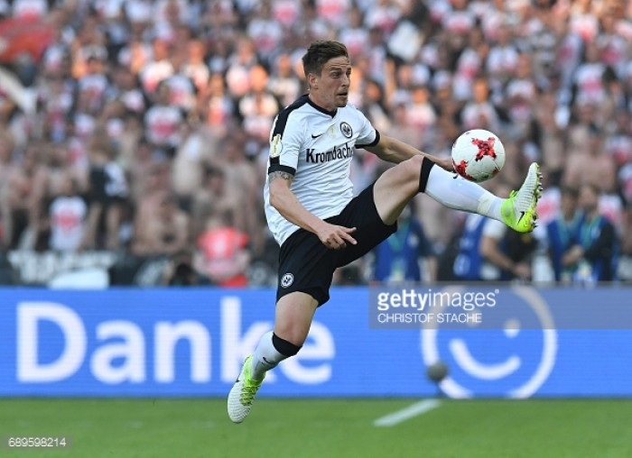 FC Schalke 04 sign full-back Bastian Oczipka from Eintracht Frankfurt