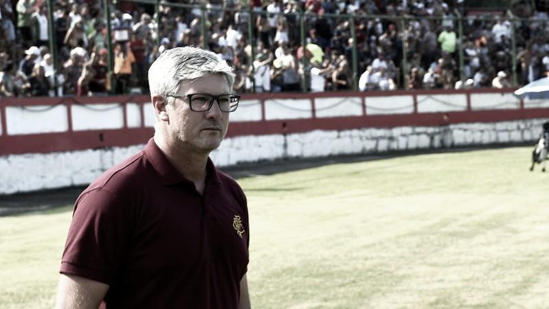 "Odair Hellmann comemora goleada do Fluminense: ""Estamos evoluindo"""