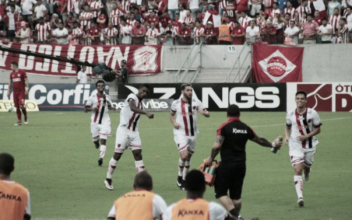 Oeste surpreende Náutico na Arena de Pernambuco e permanece na Série B