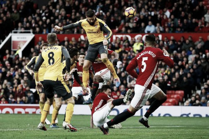 Giroud salva l'Arsenal, 1-1 all'Old Trafford