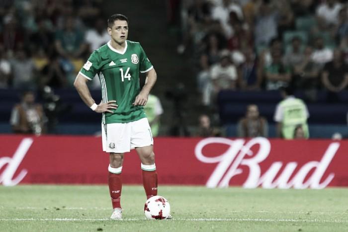 Chicharito acerta volta ao futebol inglês e irá jogar pelo West Ham