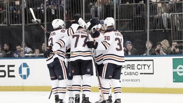 Los Oilers arrancan con paso perfecto en los primeros juegos de la temporada