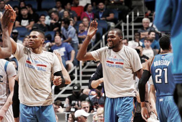 NBA: i Jazz passeggiano, ok Toronto e Atlanta, vincono Spurs e Wizards. Follia a Orlando, passa OKC