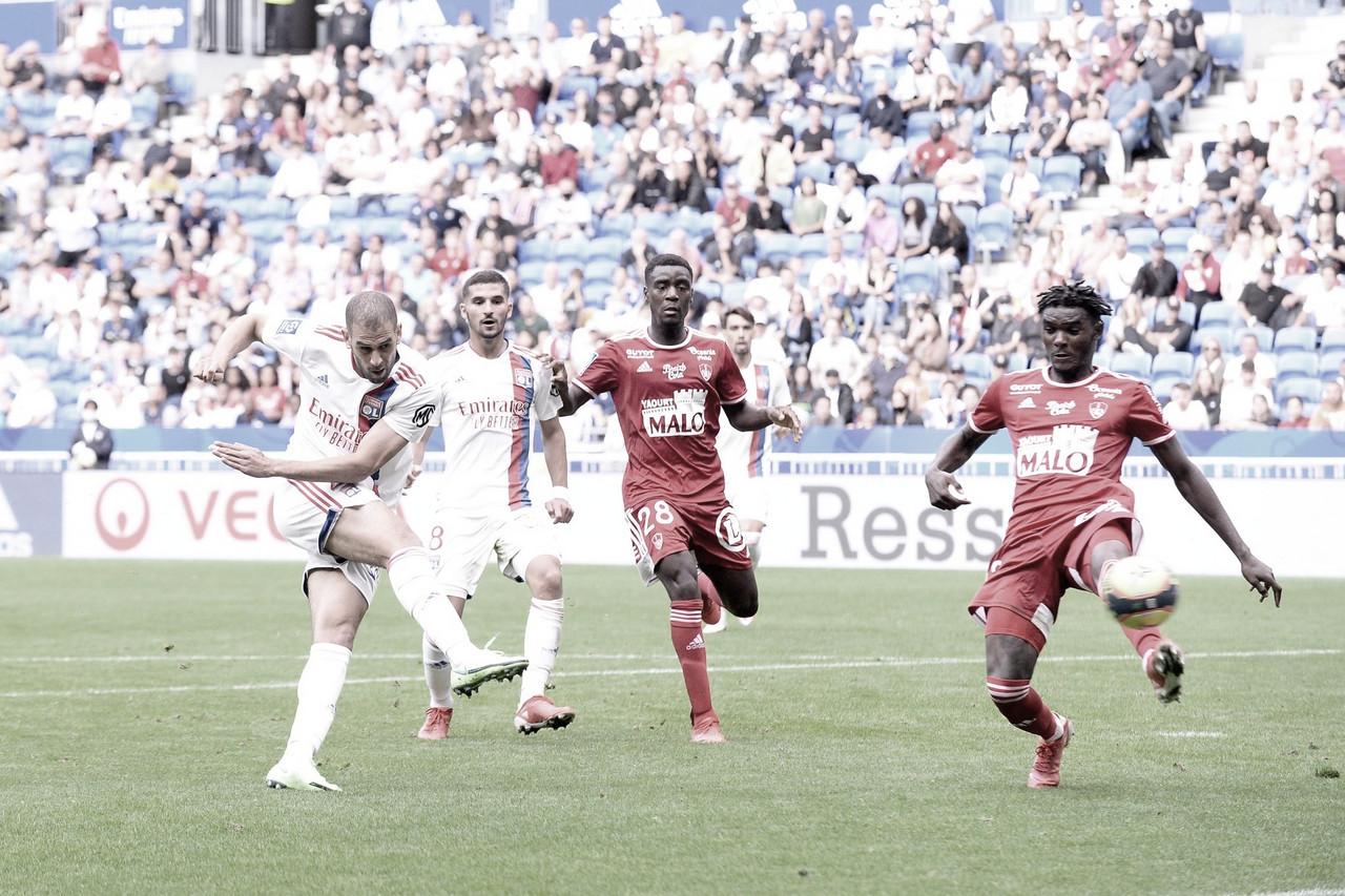 Lyon joga mal e estreia na Ligue 1 com empate diante do Brest