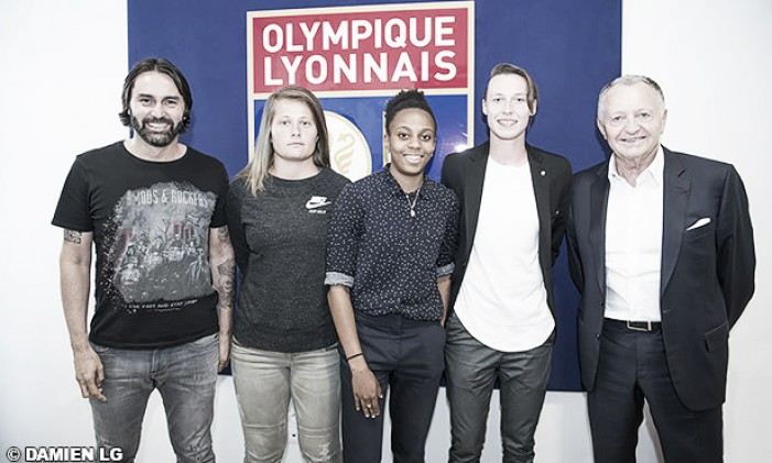 Olympique Lyonnais complete the signings of Peyraud-Magnin, Laurent and Bruneau