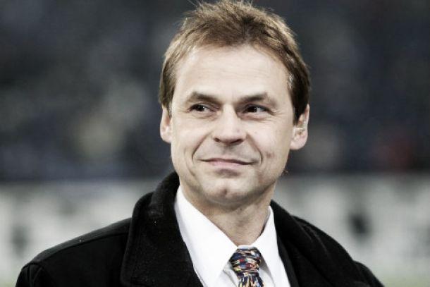 Para Olaf Thon, Joachim Low deveria ter convocado Lasogga