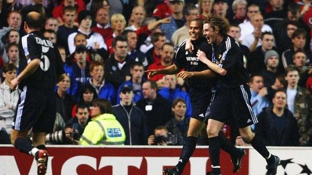 Serial Real Madrid - Manchester United: 2003/2004, la noche que Old Trafford ovacionó a Ronaldo