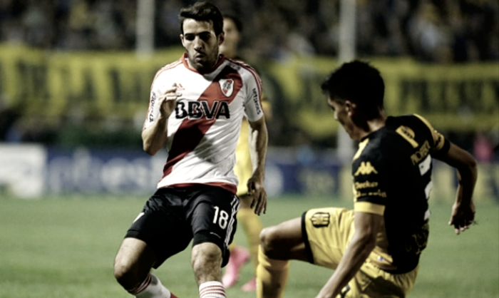 River - Olimpo: Gallinas vs Cigarras