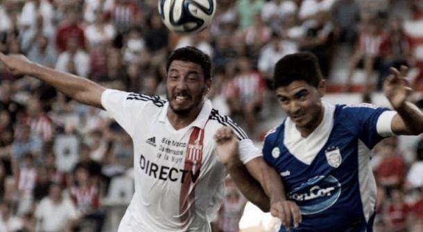 Con gol de Olivera, Estudiantes ganó y  trepó a la cima del torneo