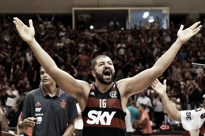 Flamengo vence Mogi no jogo 5 e enfrenta o Bauru na final do NBB