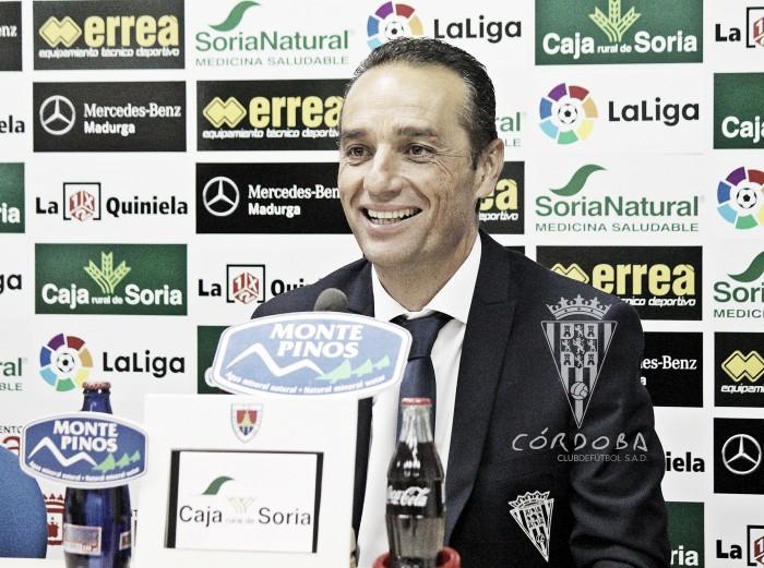 """José Luis Oltra: """"El Numancia ha sido más eficaz, pero no nos superó en ocasiones"""""""