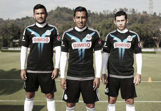 Chivas estrenaría uniforme de gala ante Tijuana