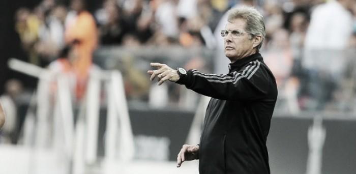 Corinthians adianta planos e anuncia Oswaldo de Oliveira