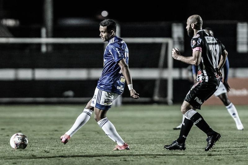 Sem perder há dois jogos, Cruzeiro visita Operário para embalar na Série B