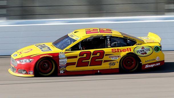 NASCAR Sprint Cup: Matt Kenseth Spins, Joey Logano Wins At Kansas