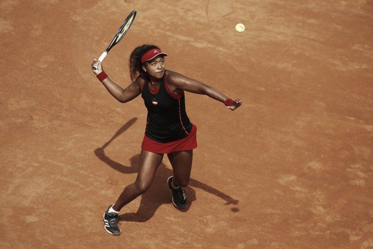 WTA Rome Naomi Osaka stuns Victoria Azarenka in straight sets