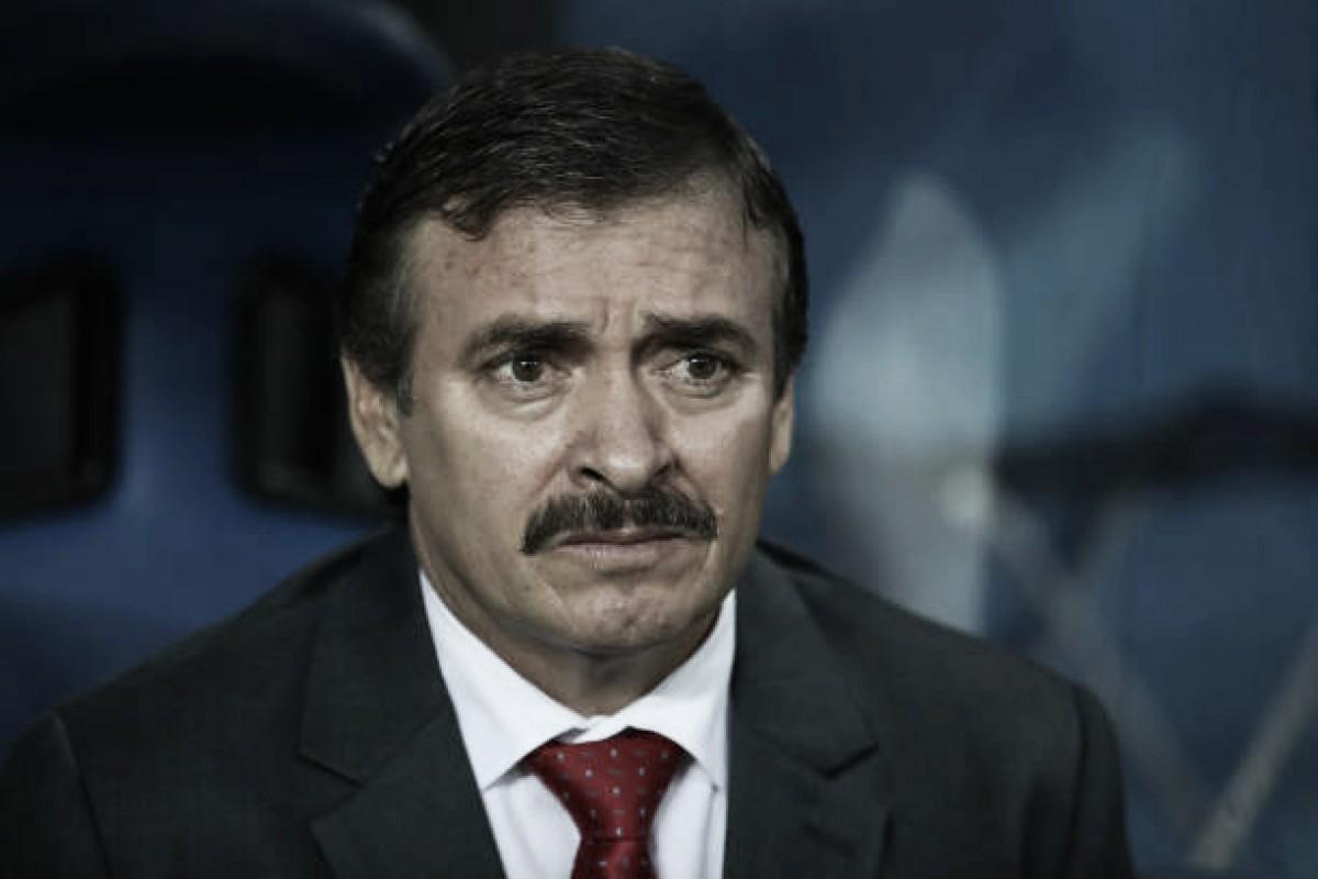 Depois de empate contra Suíça, Óscar Ramírez deixa futuro em aberto no comando da Costa Rica