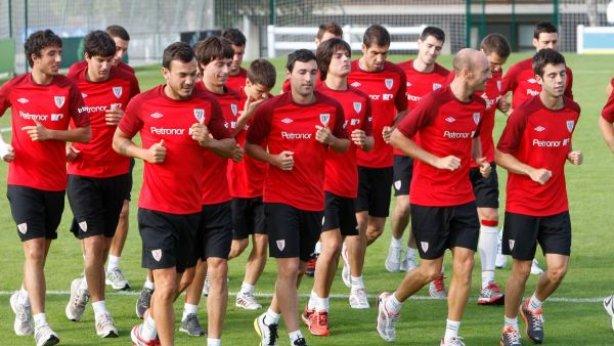 El Athletic entrena con Bonini y no ofrece rueda de prensa posterior