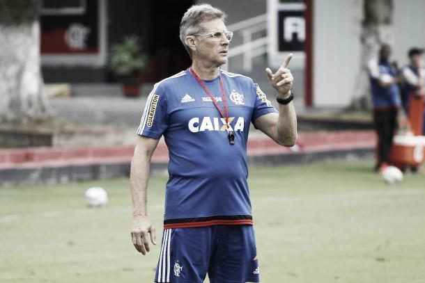 """Oswaldo enaltece a equipe em empate contra o Santos: """"Devemos elogiar o desempenho do Flamengo"""""""